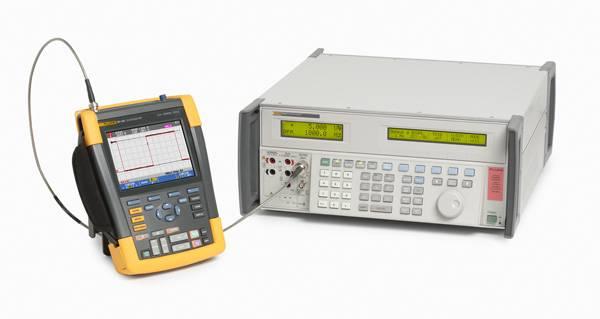 Универсальный калибратор Fluke 5502A